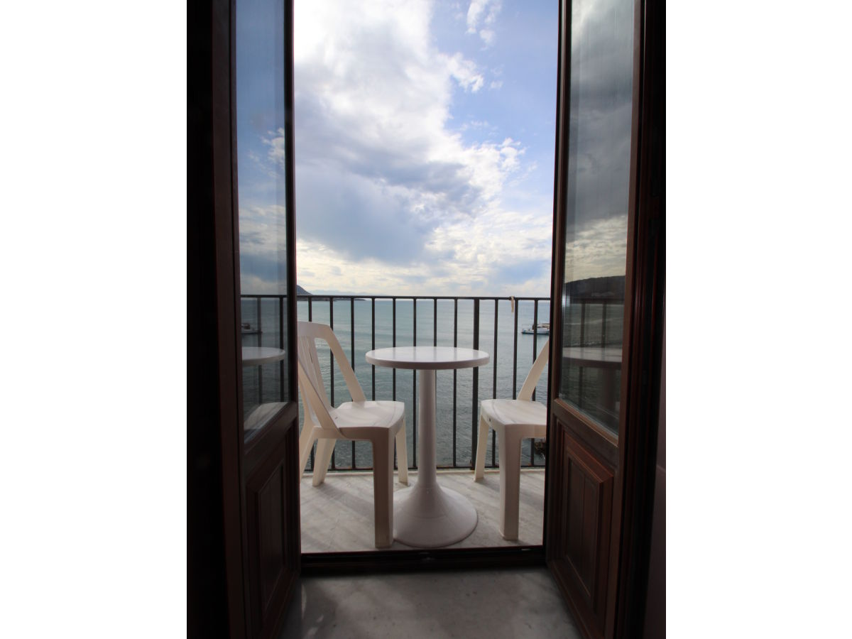 ferienwohnung casa mare blu cefal firma rosalba provenza mediterranea sicilia frau rosalba. Black Bedroom Furniture Sets. Home Design Ideas