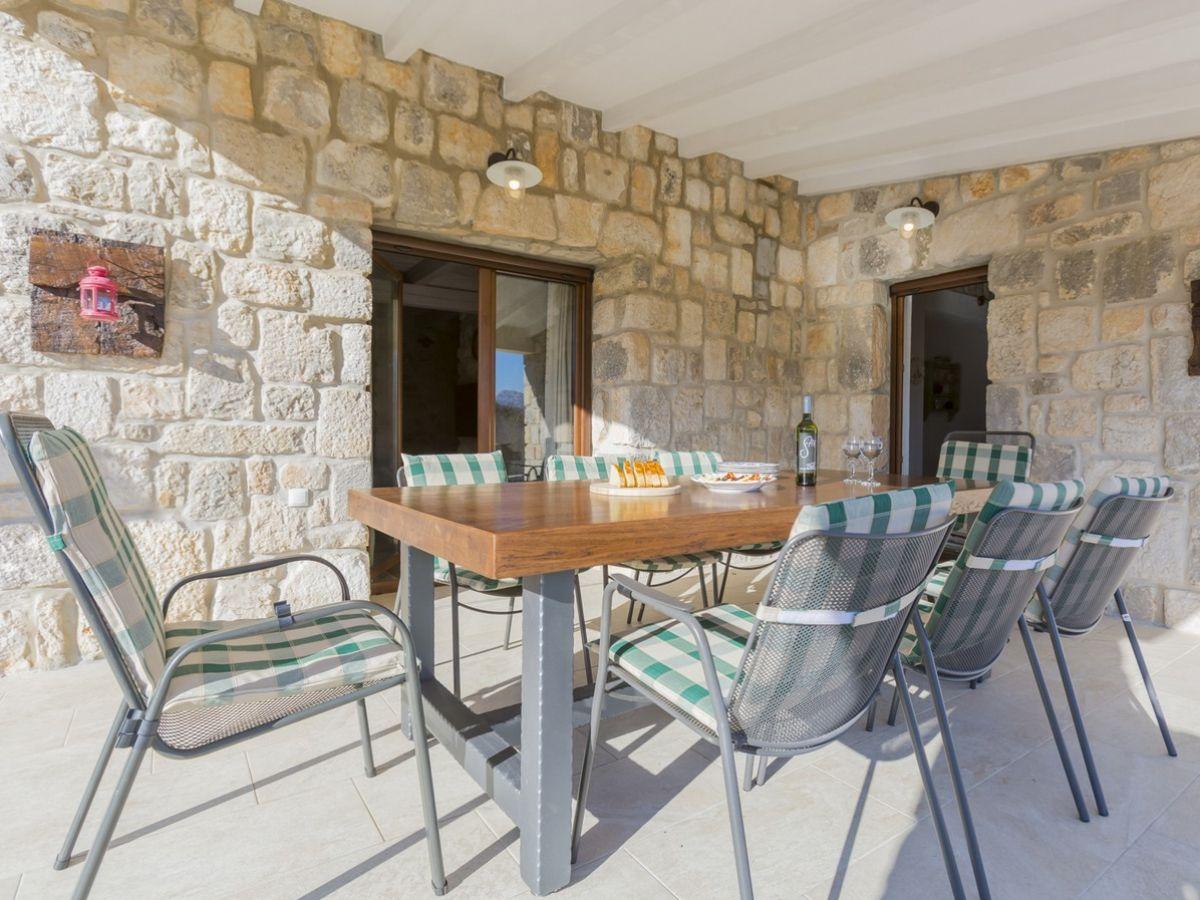 ferienhaus dolores mit pool in duge njive dalmatien. Black Bedroom Furniture Sets. Home Design Ideas