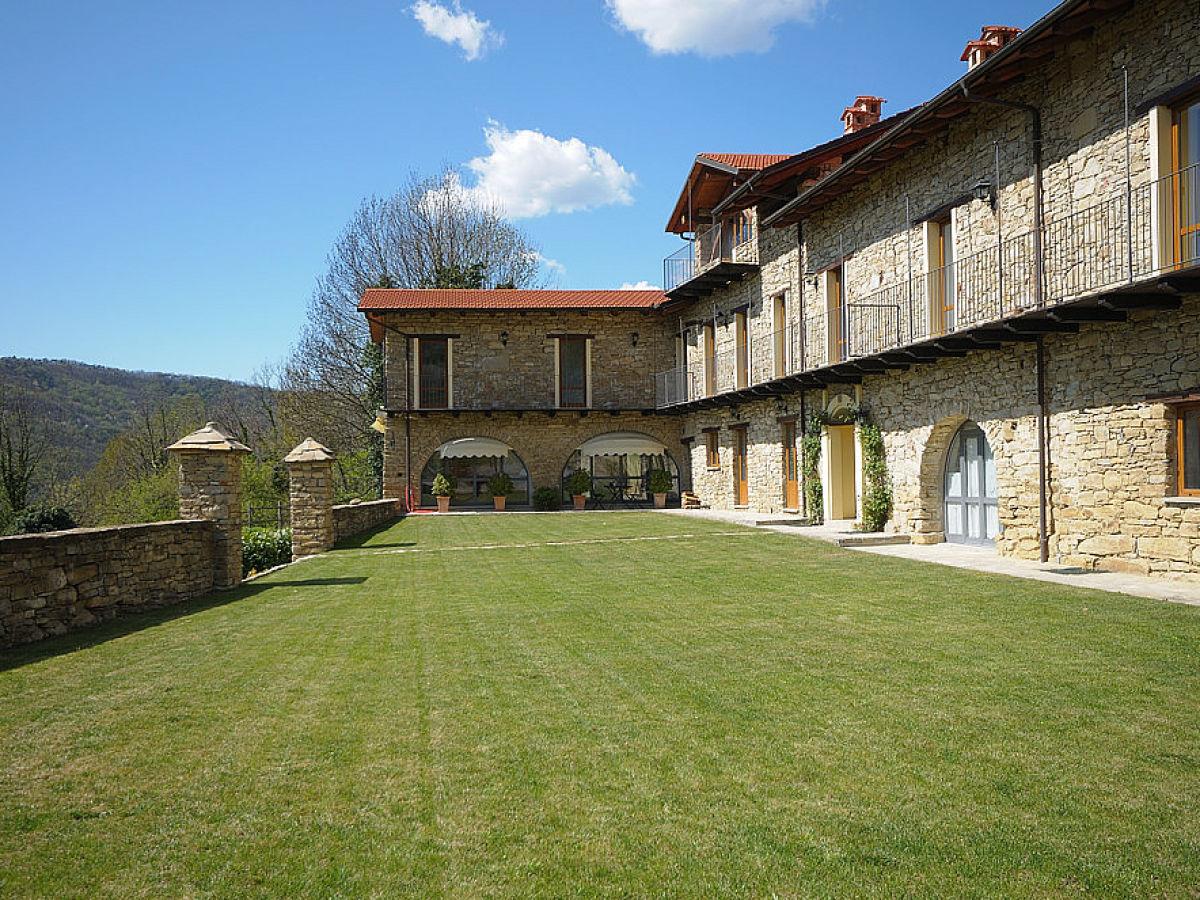 Holiday apartment Terrazzo Balcone - Cascina Arcadia, Piemonte - Mrs ...