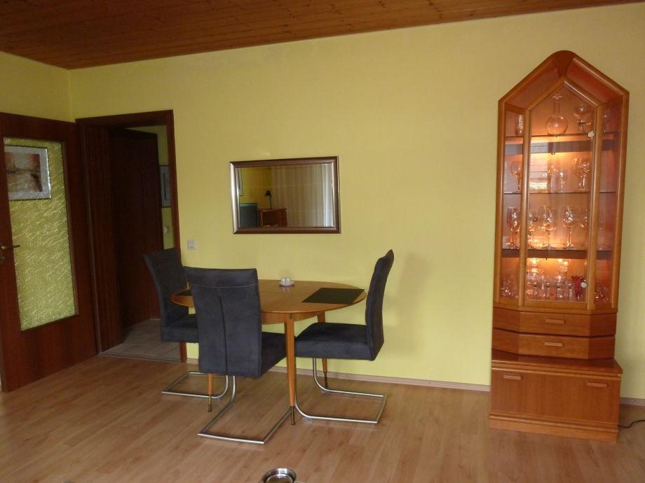 wohnzimmer mit essecke modern kreative deko ideen und. Black Bedroom Furniture Sets. Home Design Ideas
