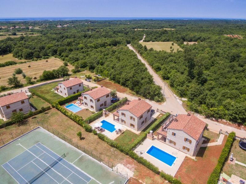 Villa Saša with private tennis court and pool