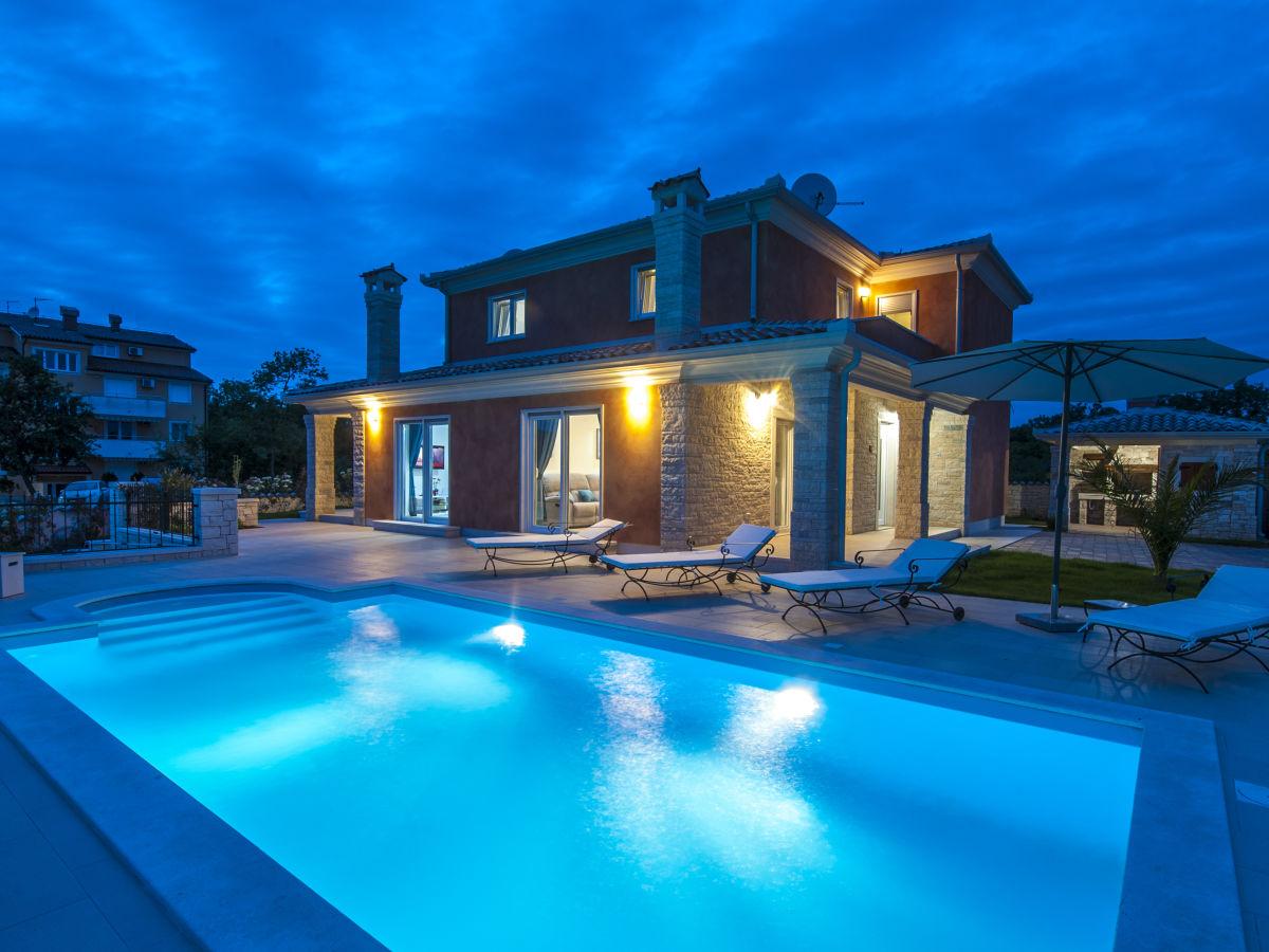 Moderne villa istrien karigador firma away d o o frau
