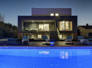 Villa 778