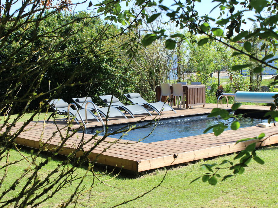 privat heated and secured pool