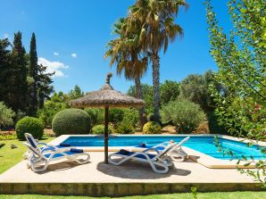 Holiday house with private pool in Pollensa
