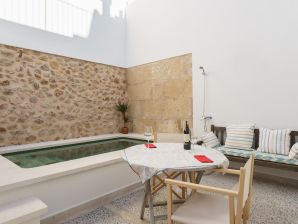 Holiday house Roca with Pool in Pollença old town