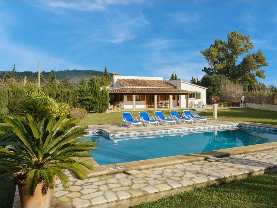 Villa with private pool in Pollensa