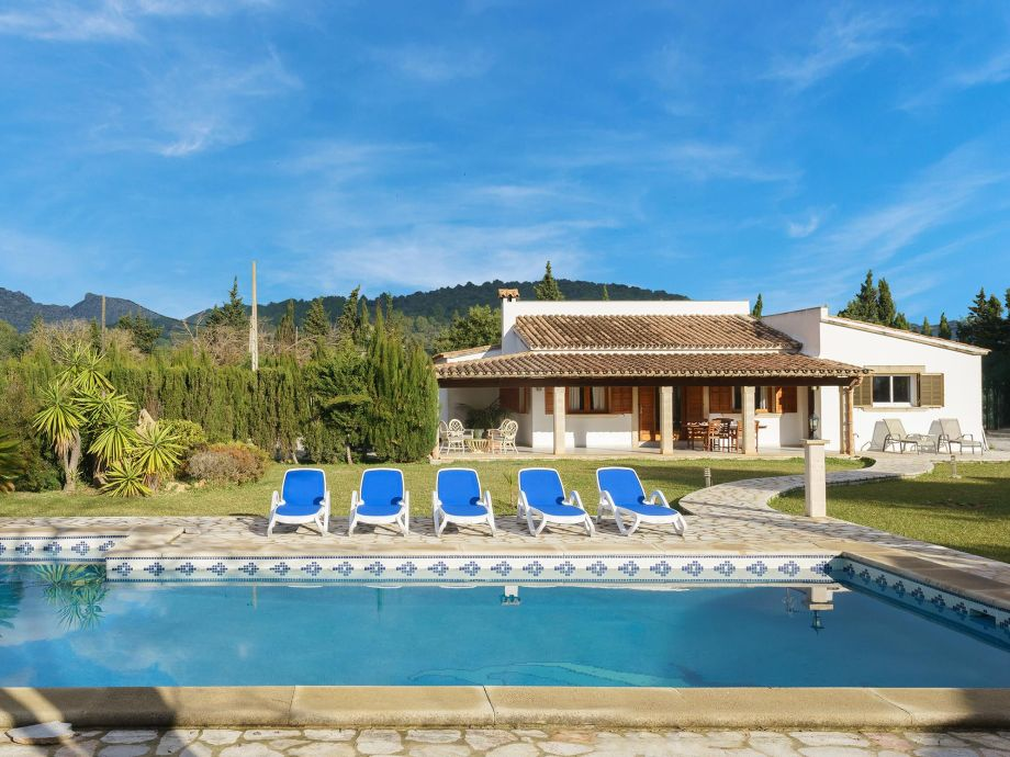 Villa with private pool in Pollensa