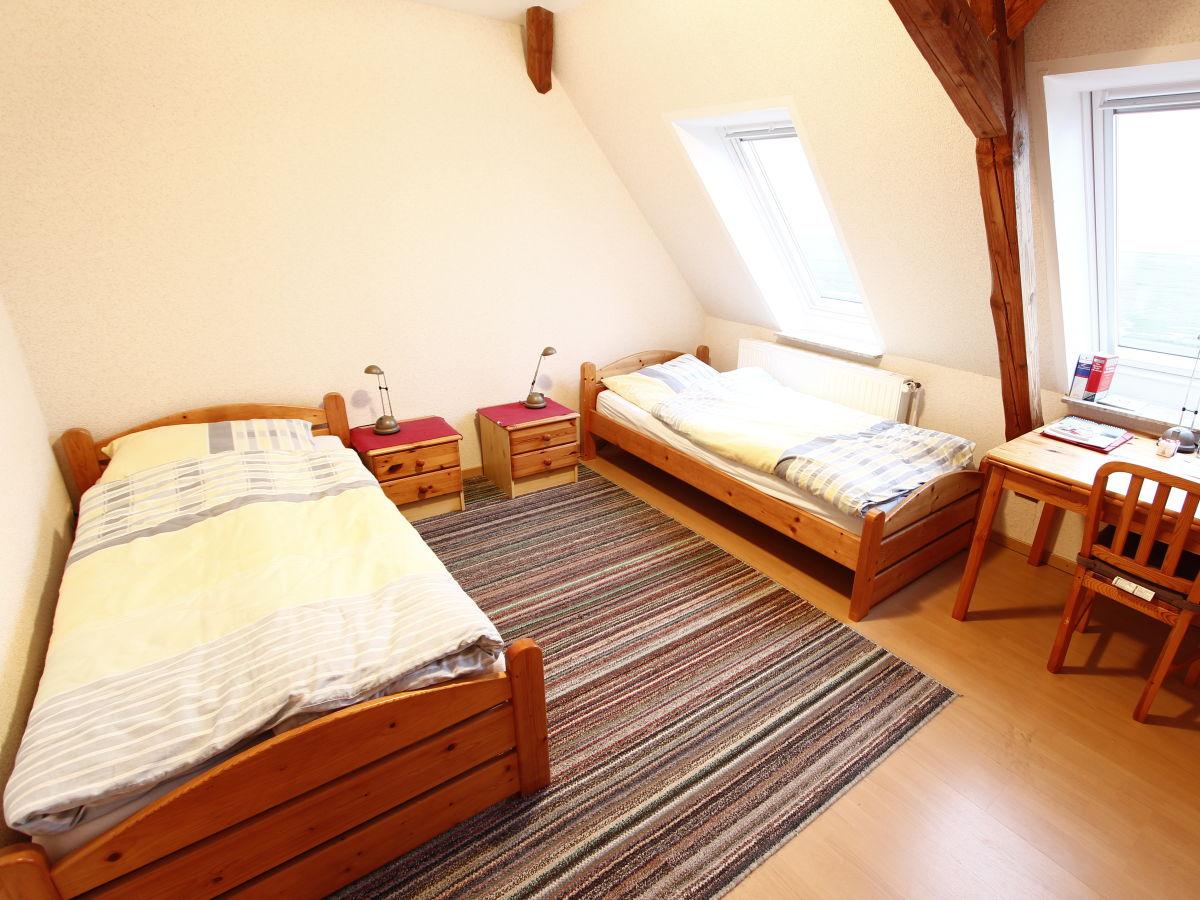 ferienwohnung norderwarft nordstrandischmoor hallig. Black Bedroom Furniture Sets. Home Design Ideas