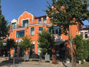 Turmhaus Ferienwohnung 2
