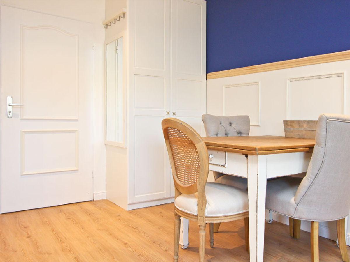 Ferienhaus kleine perle timmendorfer strand firma b bs appartements bastian wegner - Kleine couchgarnitur ...