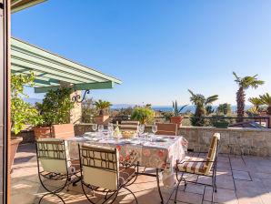 Holiday apartment San Cassiano 1