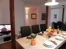 Ferienwohnung 4-Zi.-Apartments 'Mundsburg I', modernes Apartment für bis zu 10 Personen, WLAN