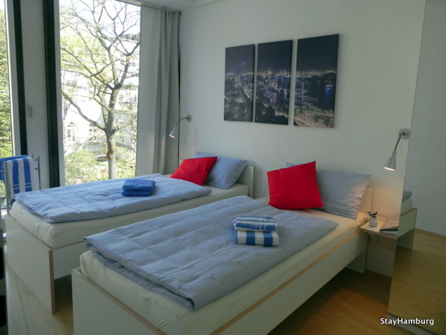 ferienwohnung 4 zi apartments 39 mundsburg ii 39 modernes apartment hamburg winterhude frau schubert. Black Bedroom Furniture Sets. Home Design Ideas