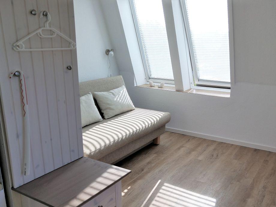 Apartment spatzennest sylt wenningstedt frau astrid for Schlafcouch ausziehbar