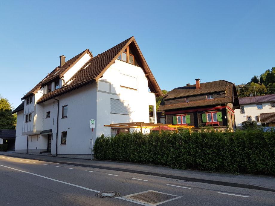Haus am Oosbach - Bushaltestelle direkt vor der Tür