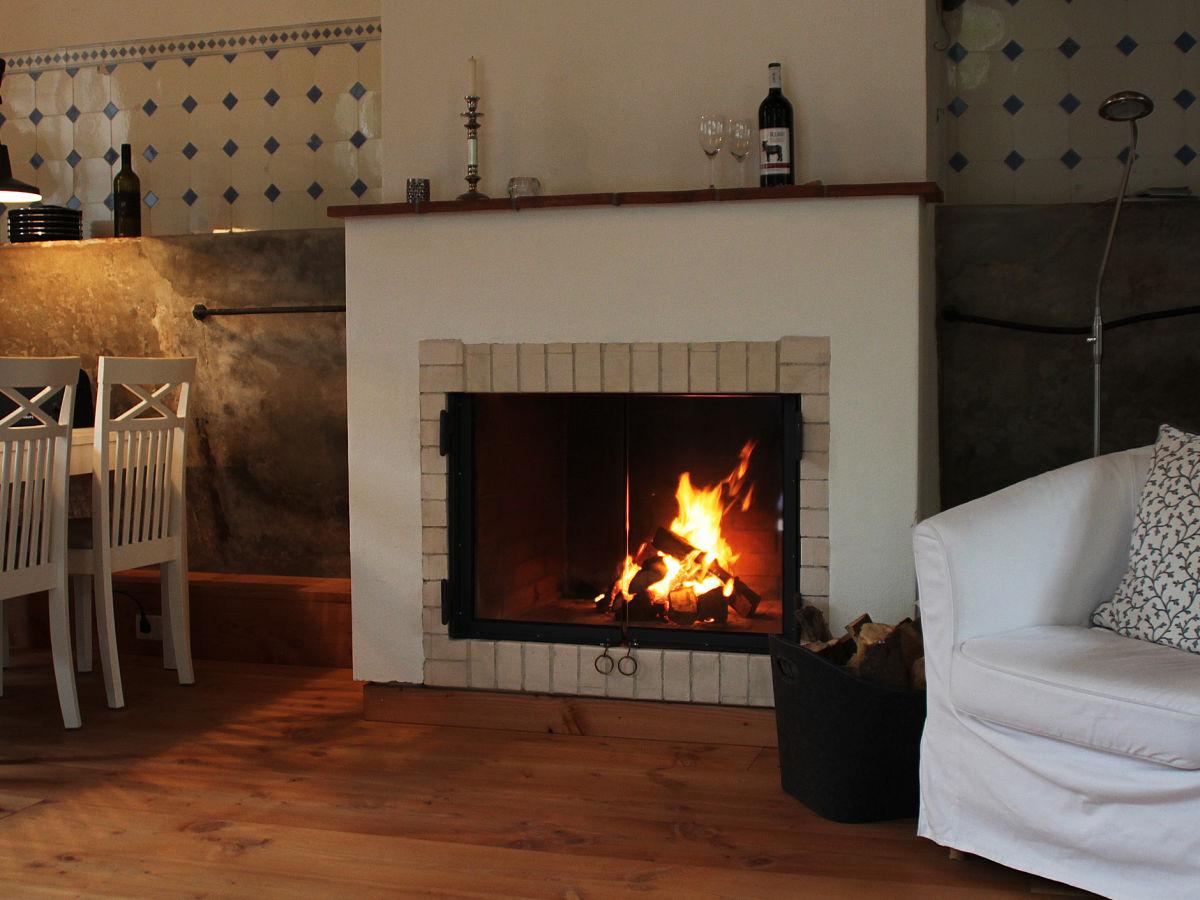 gutshof ferienwohnung alter pferdestall schleswig. Black Bedroom Furniture Sets. Home Design Ideas