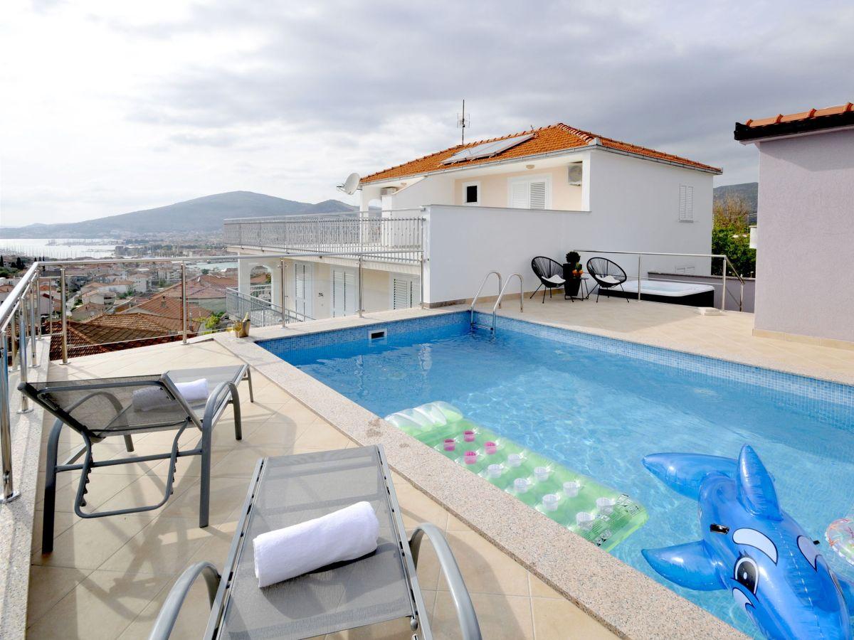 villa marina v5091 split und trogir riviera firma adriagate d o o mia topi utrobi i. Black Bedroom Furniture Sets. Home Design Ideas