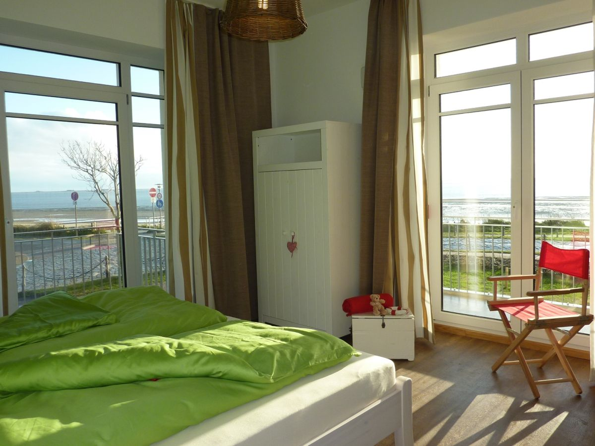 ferienwohnung 5 im schloss am meer insel f hr firma freienstein auf f hr herr markus. Black Bedroom Furniture Sets. Home Design Ideas