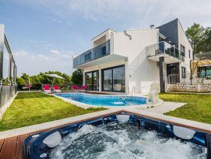 Villa Helios ( V3161 )