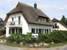 Ferienwohnung Reetdachhaus am Bodden Wohnung EG