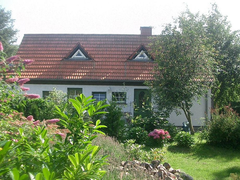 Kleines Haus am Bodden - Gartenseite