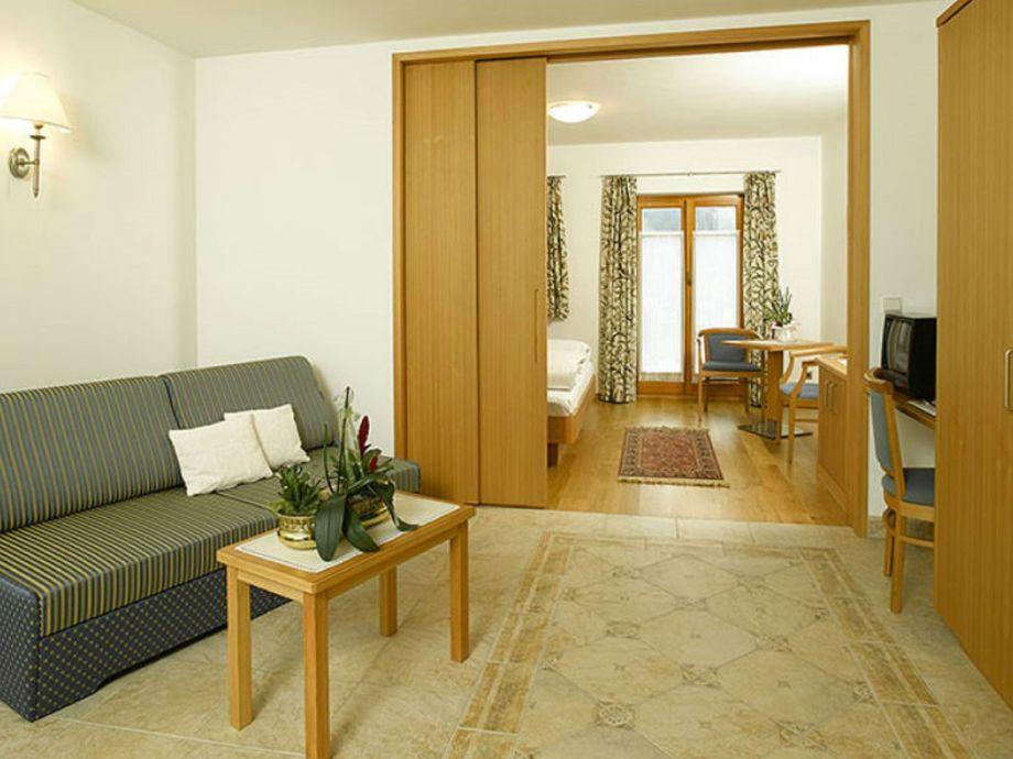 ferienwohnung am rainell hof dolomiten gr den frau martina mahlknecht. Black Bedroom Furniture Sets. Home Design Ideas