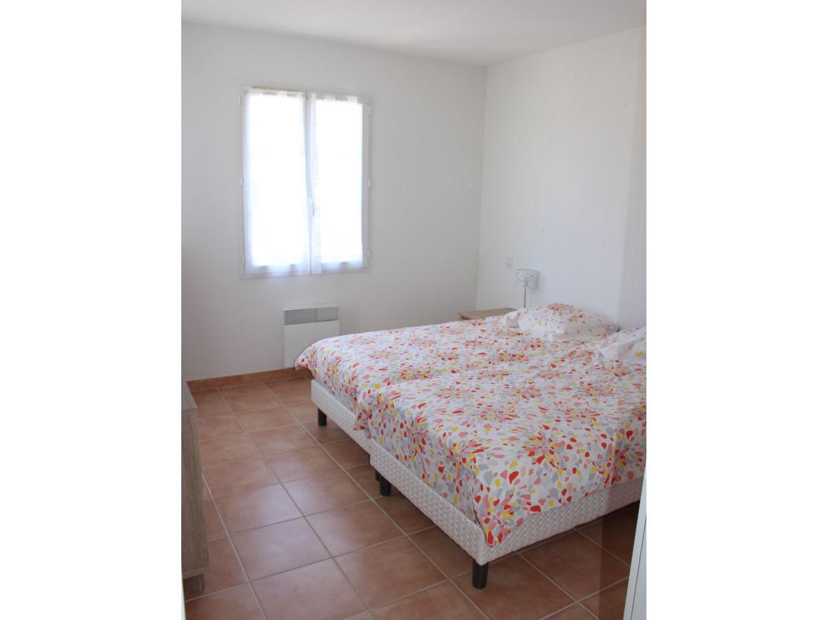 ferienhaus villa de la colline narbonne plage familie staub. Black Bedroom Furniture Sets. Home Design Ideas