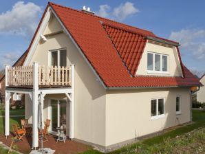 Ferienwohnung Haus Münster an der Ostsee -Strand 250 m  - Wohnung 2