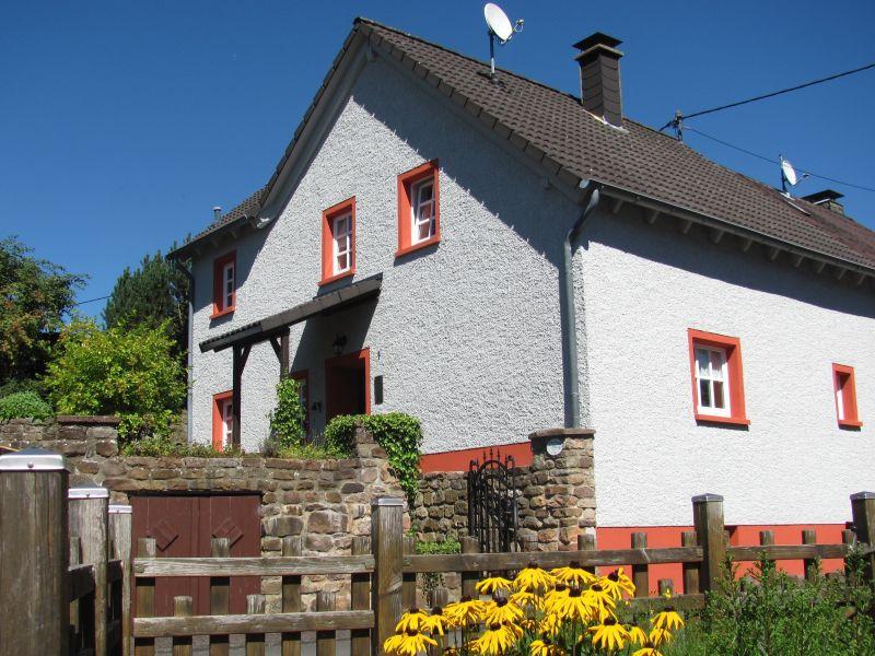 Ferienhaus Zum Lindenfeld nahe Eifelsteig und Lieserpfad