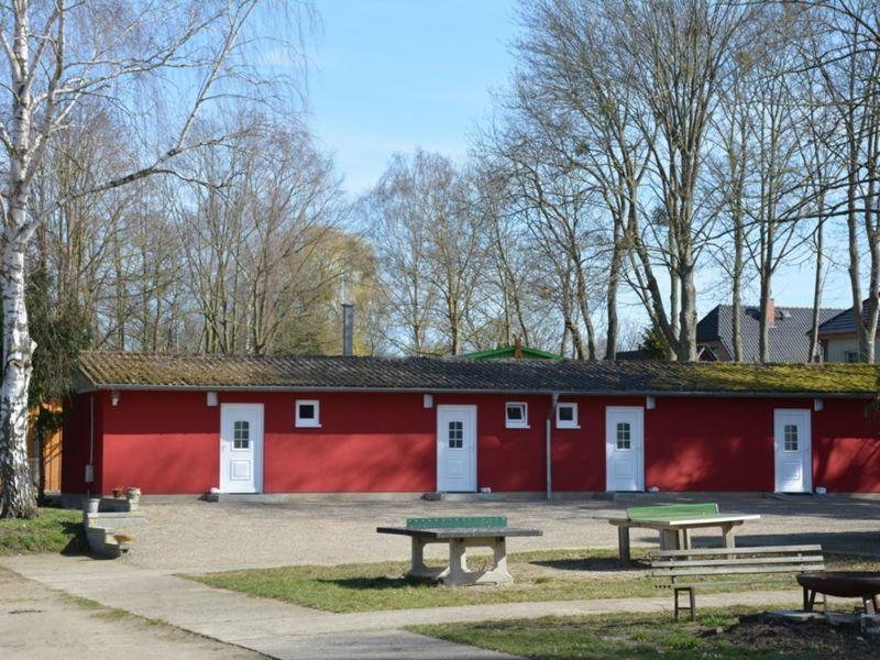 Bungalow Modernes Ferienzimmer in Seenähe