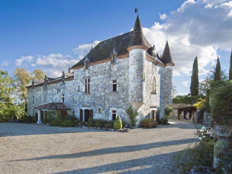 Schloss Chateau Martinus