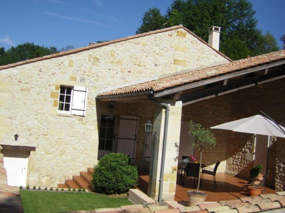 Die Mühle mit Innenhof und überdachter Terrasse