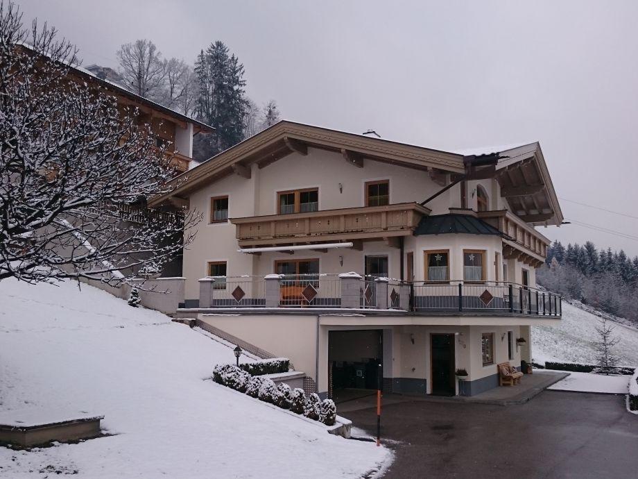 Hausfoto vom Winter