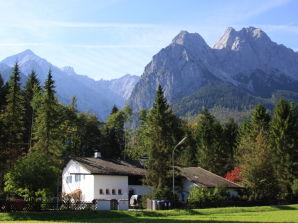 Ferienwohnung Höllentalspitze im Haus Zugspitze