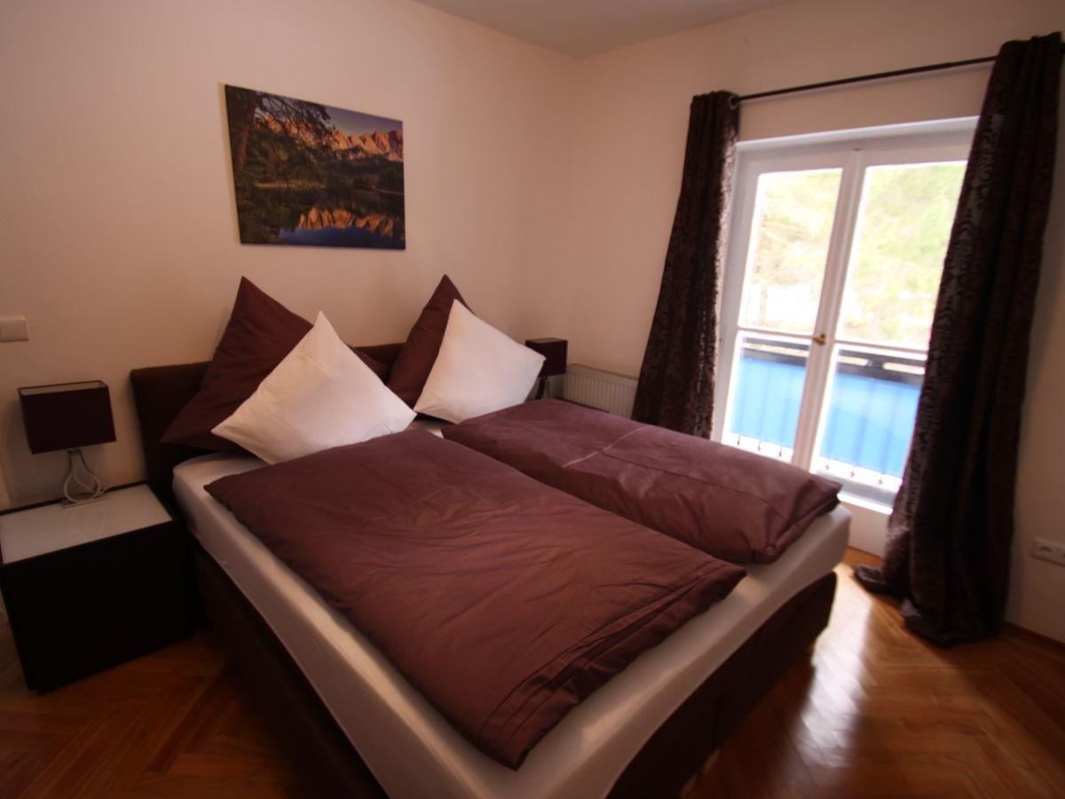 ferienwohnung hupfleitenjoch im haus zugspitze zugspitzland firma ferienwohnungen haus. Black Bedroom Furniture Sets. Home Design Ideas