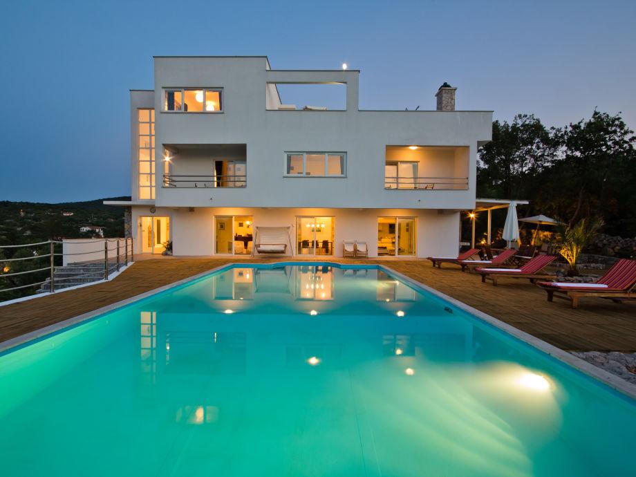 Luxury modern 5* villa