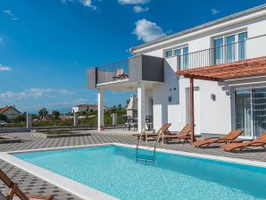 Villa Dalmacija 365 No. 1