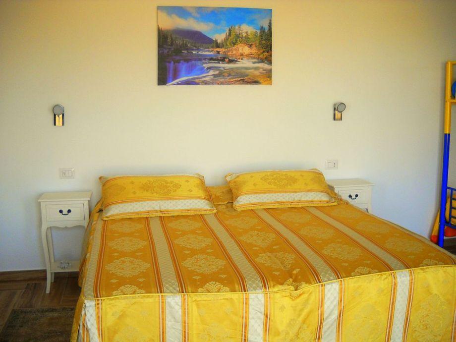Schlafzimmer Doppelbett 180x190