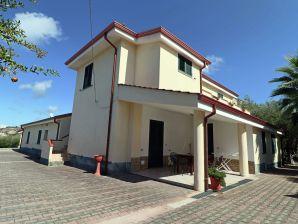 Ferienwohnung Casa Vacanza Villa Garden Bilo