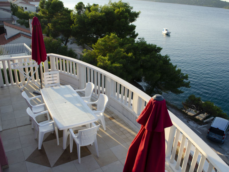 Holiday apartment 2 Villa Viktorija & Gabrijel directly on the sea