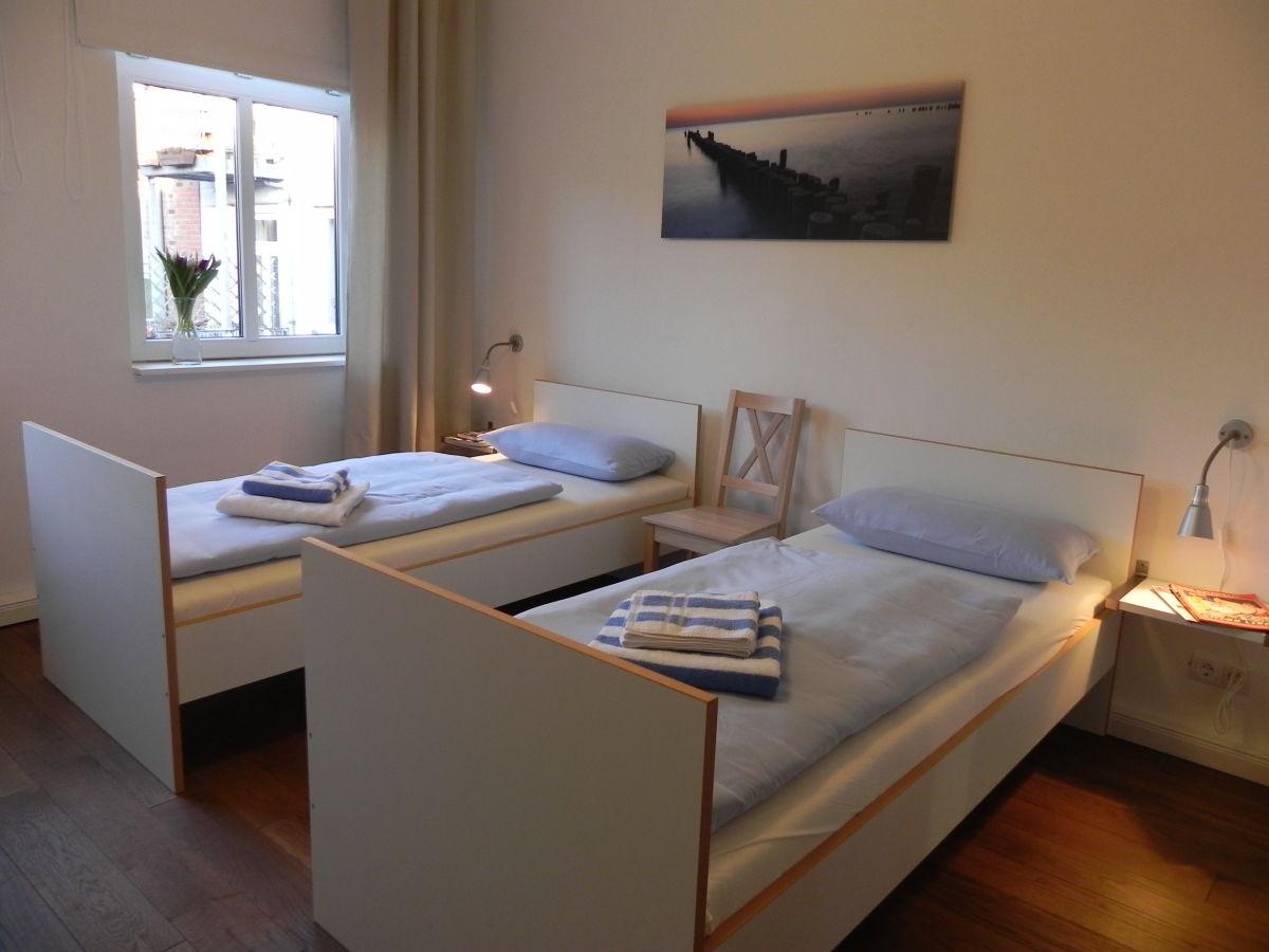 apartment m ttelin 2 zimmer inkl w lan balkon ravensburg frau m ller. Black Bedroom Furniture Sets. Home Design Ideas