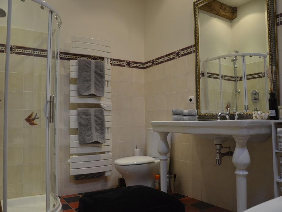 Ferienhaus la ferme du manoir normandie firma cogi for Badezimmer mit dusche und wanne