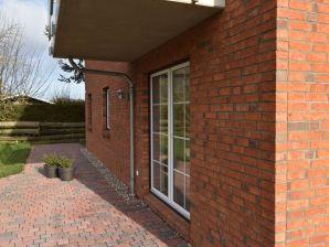 Ferienwohnung Oldenburg 1 an der Ostsee mit Terrasse und Garten