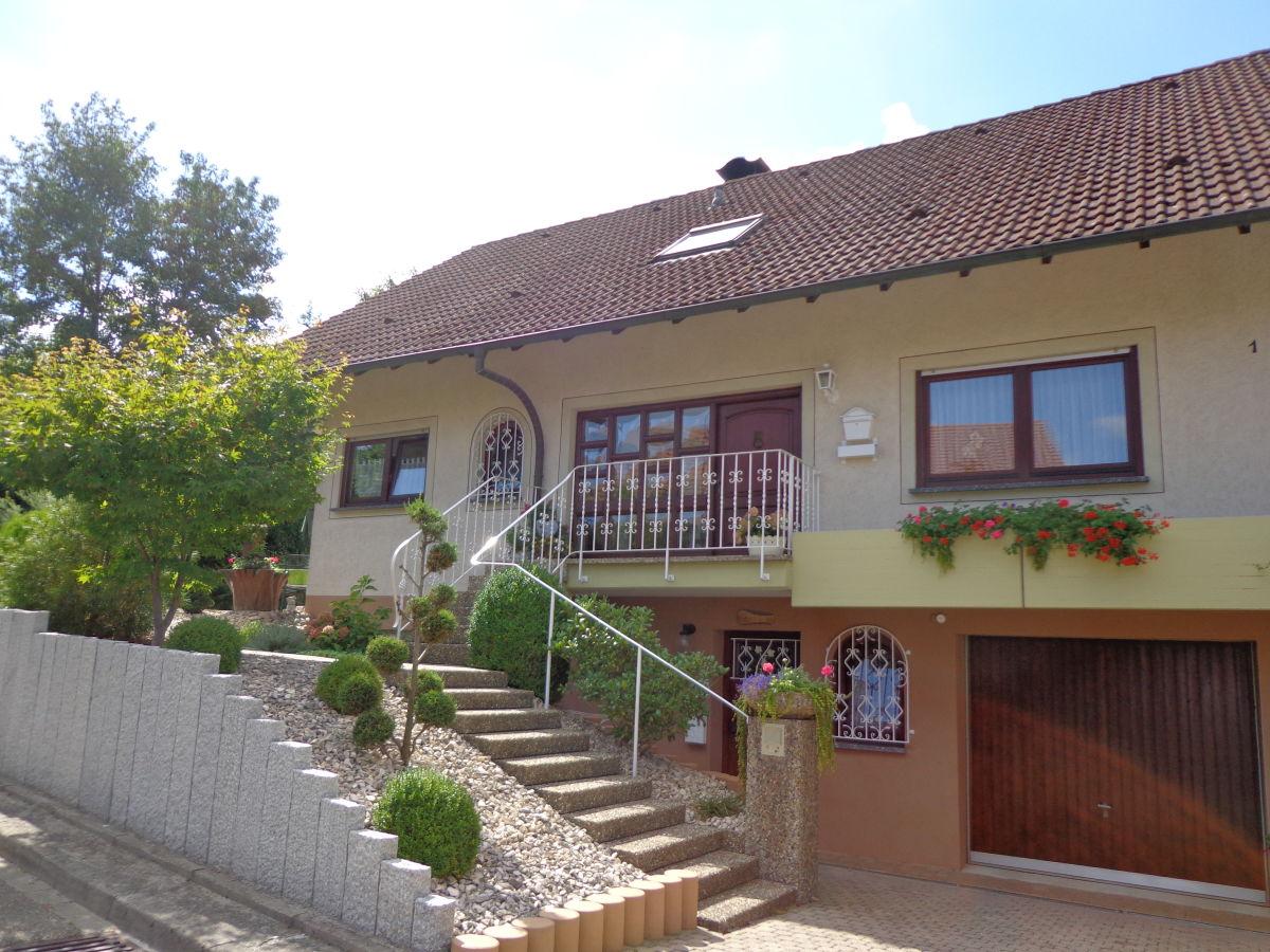 """Ferienwohnung 1 """"Haus am Weinberg"""" Kaiserstuhl Firma"""