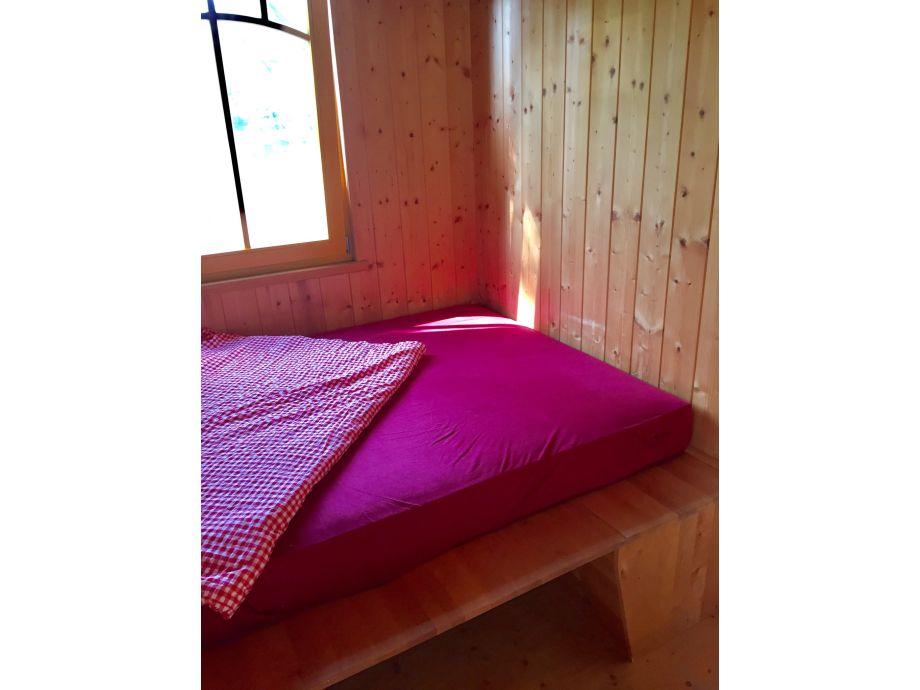 wohnwagen zirkuswagen im landhaus goldene gans prignitz. Black Bedroom Furniture Sets. Home Design Ideas