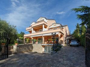 Holiday apartment Apartmani 202 Villa Baissero