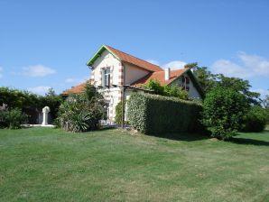 Cottage Roche Batard