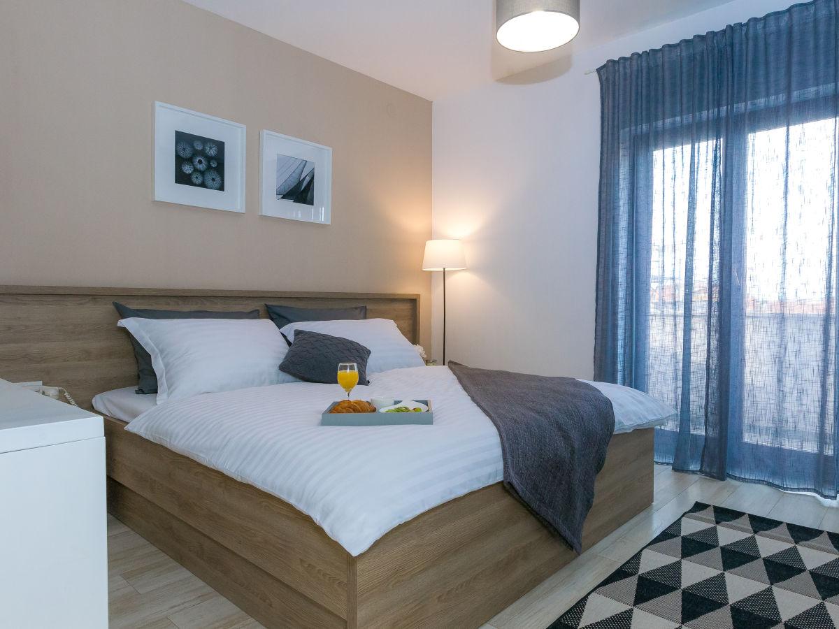 ferienwohnung magnolia zadar suko an family rodin petani. Black Bedroom Furniture Sets. Home Design Ideas