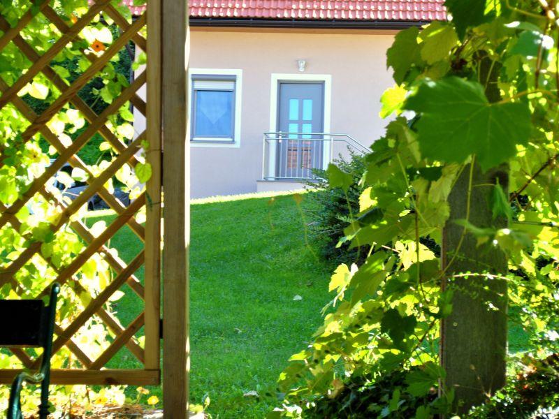 Ferienwohnung Zweisamkeit mit Weinlaube